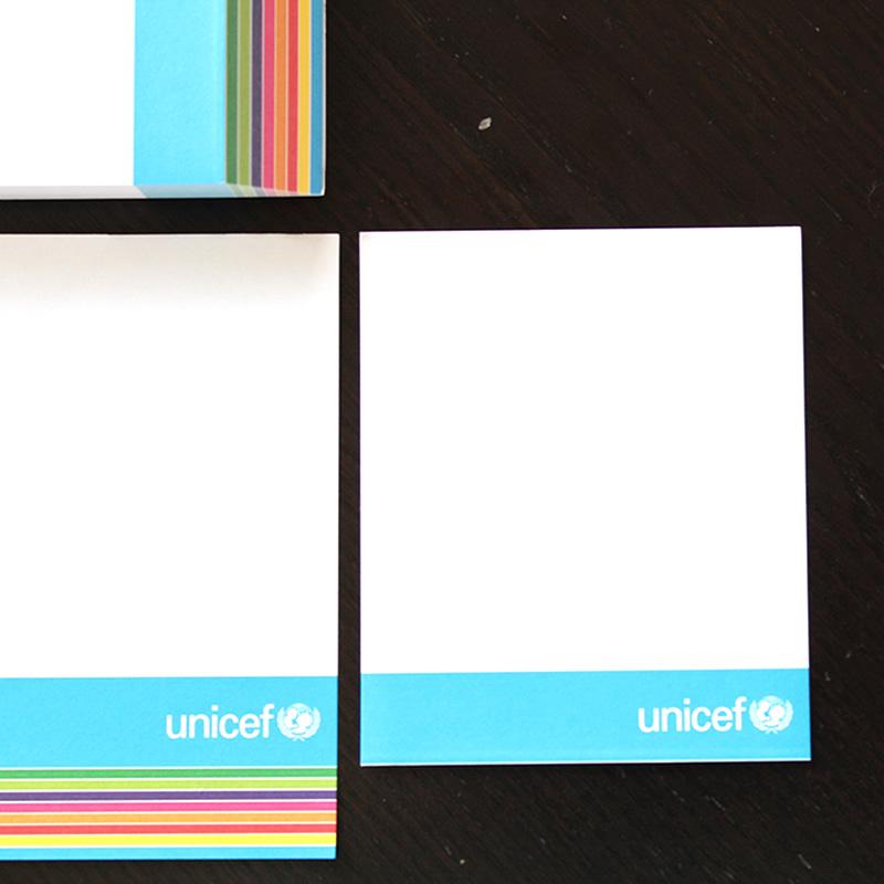 primo foglio blocchetto con grafica arcobaleno