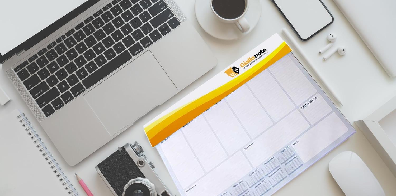 Planning settimanale da scrivania personalizzato, con calendario e bandierine segnapagina