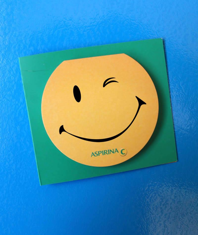 post-it con smile giallo